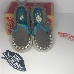 Vans shark toddler shoes size 5.5 skater